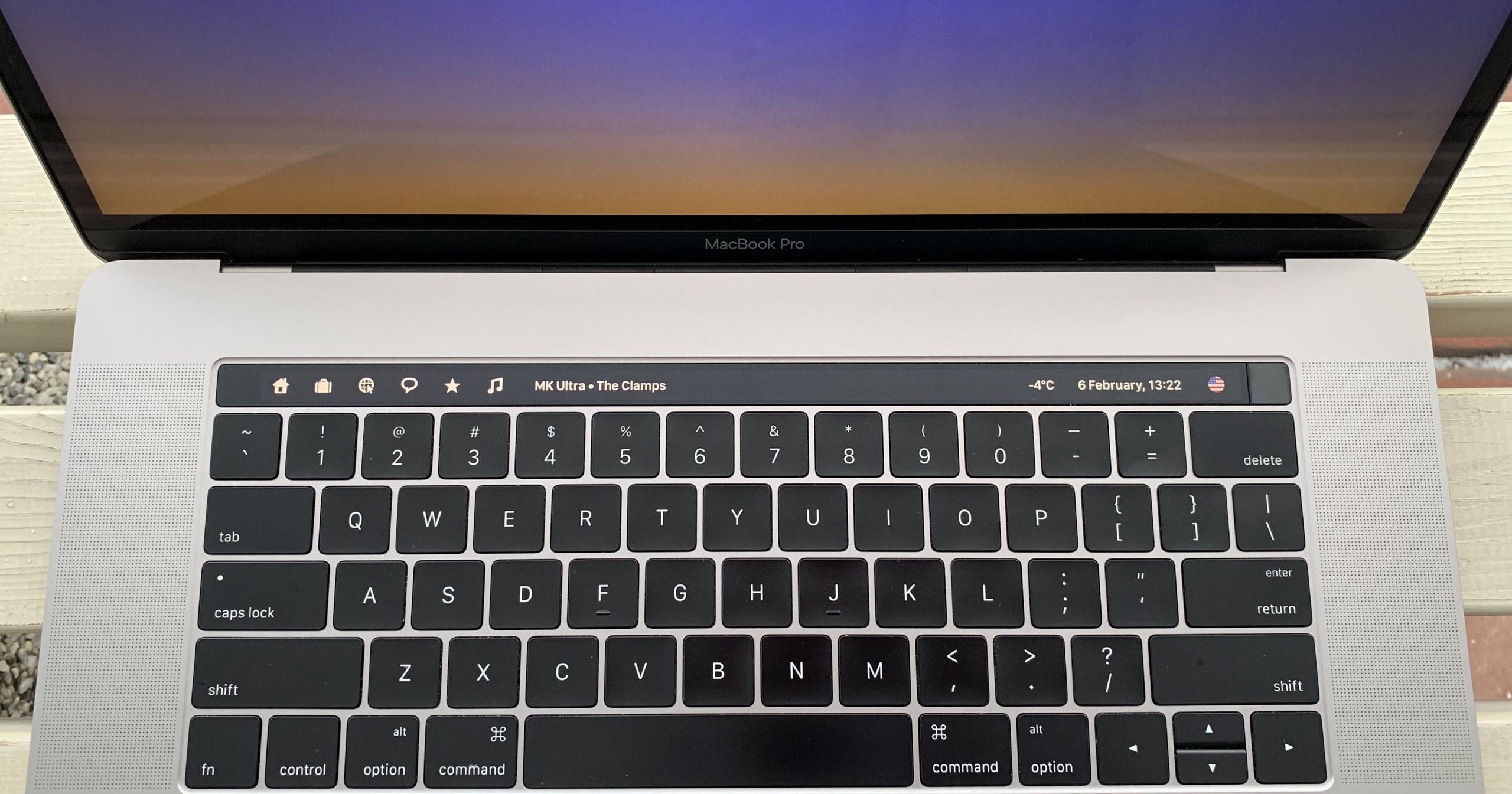 Touch Bar в MacBook Pro